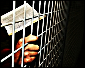 prison-bible_1